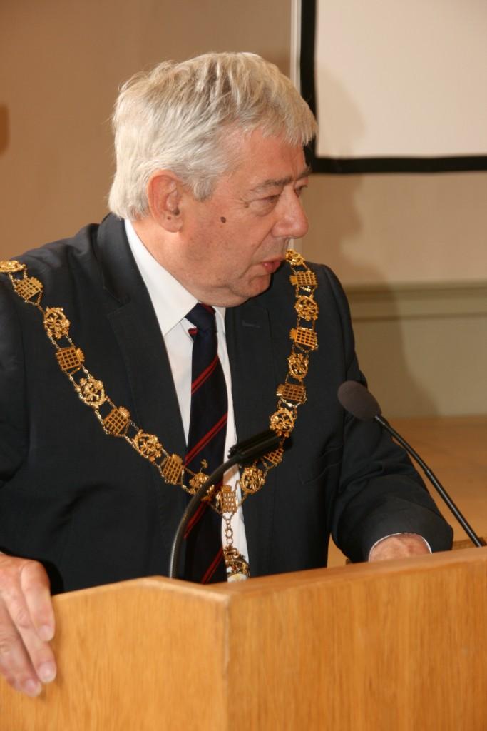 M.Mayor